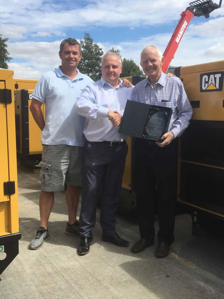 The Myrak Team receives award from Finning to celebrate sale of over 3000 Caterpillar generators