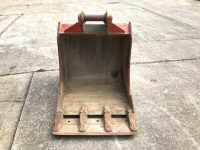 USED 750mm digging bucket (60mm pins)