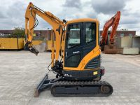YEAR 2015 HYUNDAI R27Z-9 (2200 hours)