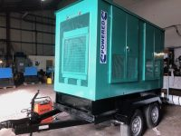 140KVA CUMMINS DIESEL GENERATOR + FAST TOW TWIN AXLE TRAILER ONLY 425 HOURS