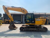 YEAR 2014 JCB JS220LC (8600 hours)