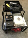 200AMP HONDA POWERED WELDER ON TROLLEY WITH 5KVA 110/240V POWER SOCKETS