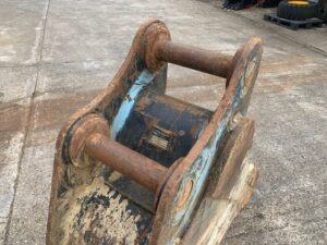 USED 600mm bucket to suit 20 tons excavator
