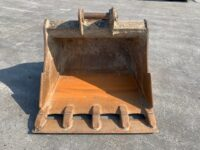 USED STRICKLAND 48″ excavator bucket (65mm pins)