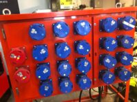 400 AMP DISTRIBUTION PANEL ON STAND WITH MAIN SWITCH