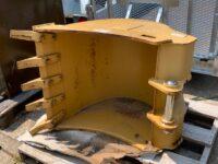 UNUSED CATERPILLAR 428/432 750mm digging bucket